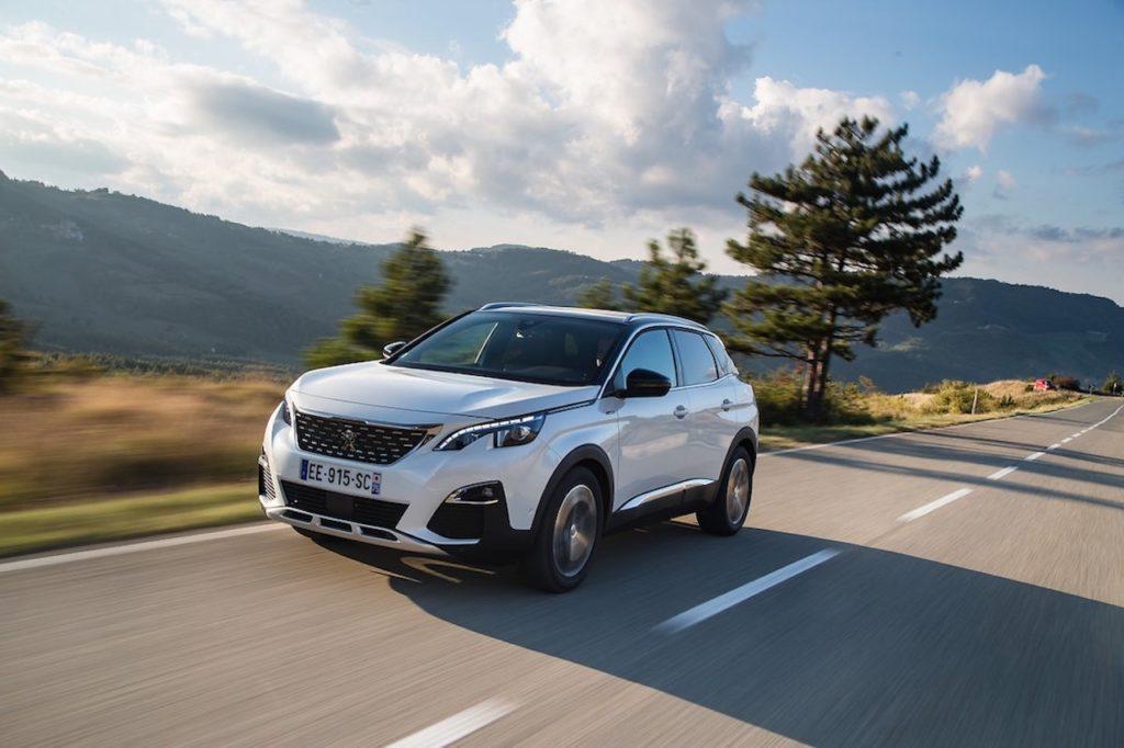 Hitta däcktryck till Peugeot 3008 2017